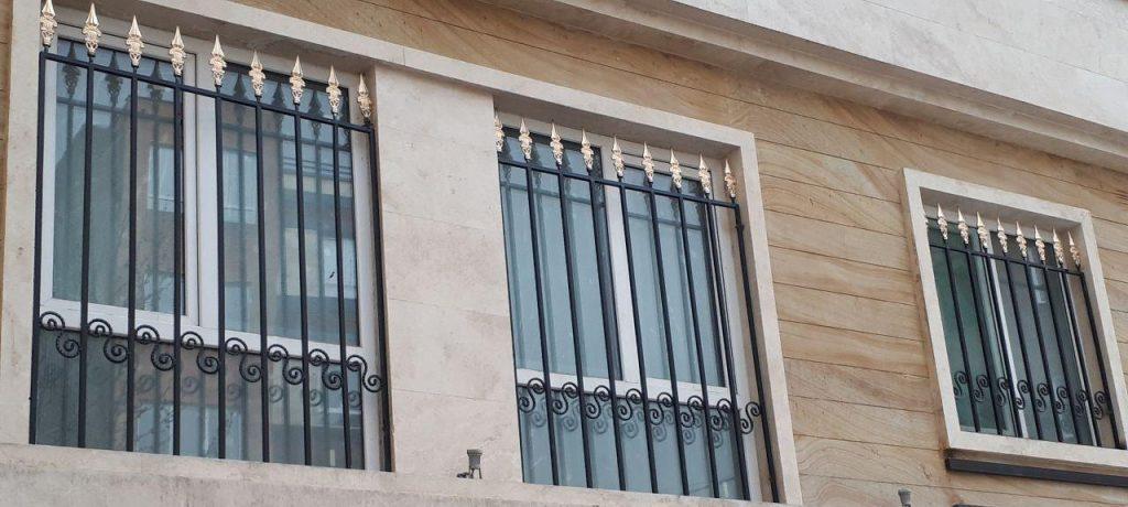 حفاظ پنجره طبقه اول