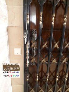محافظ پشت دری