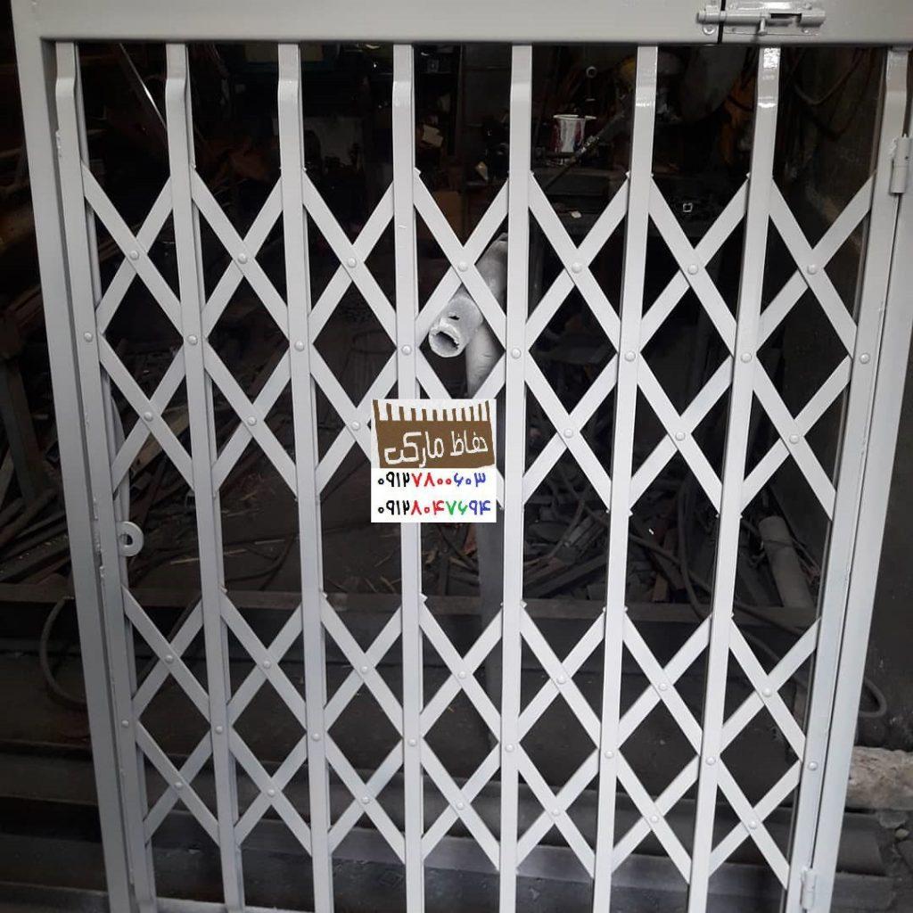 حفاظ روی درب آپارتمان