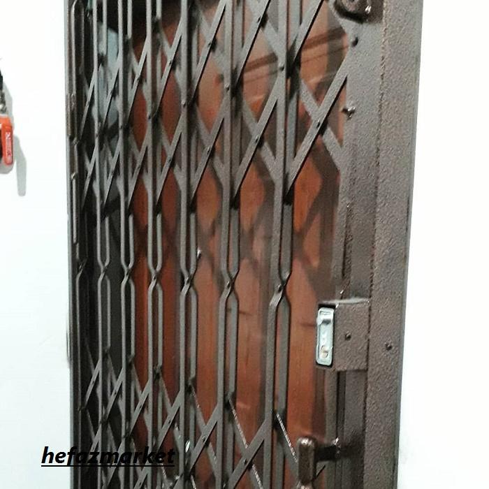 حفاظ فلزی درب